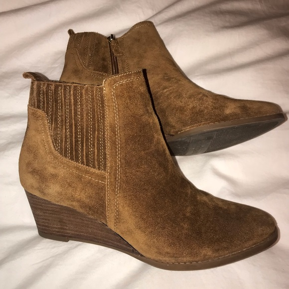 e9027ab2c0e9 Franco Sarto Shoes - Like New Franco Sarto Wayra Wedge Bootie Cognac 9